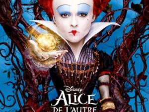 alice_de_l_autre_cote_du_miroir